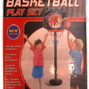 עמוד כדורסל וכדור